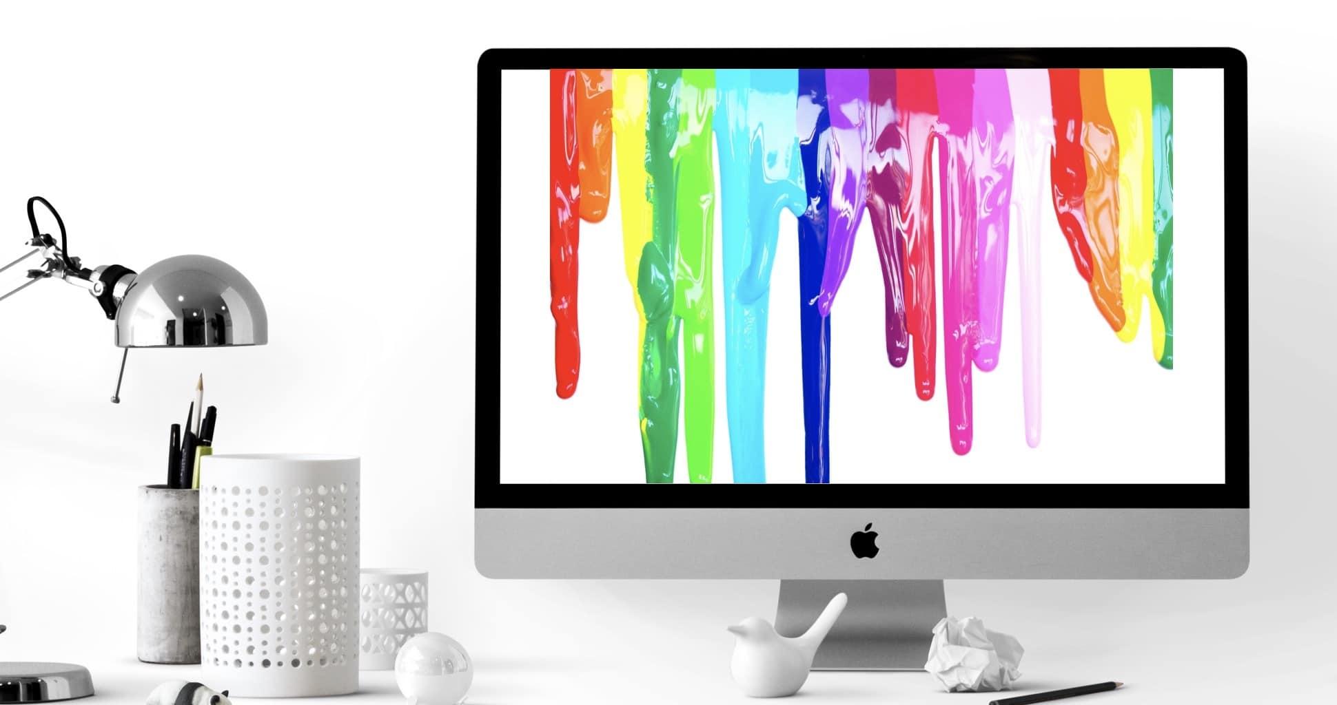 Coulures de peintures de couleurs vives affichées sur un ordinateur